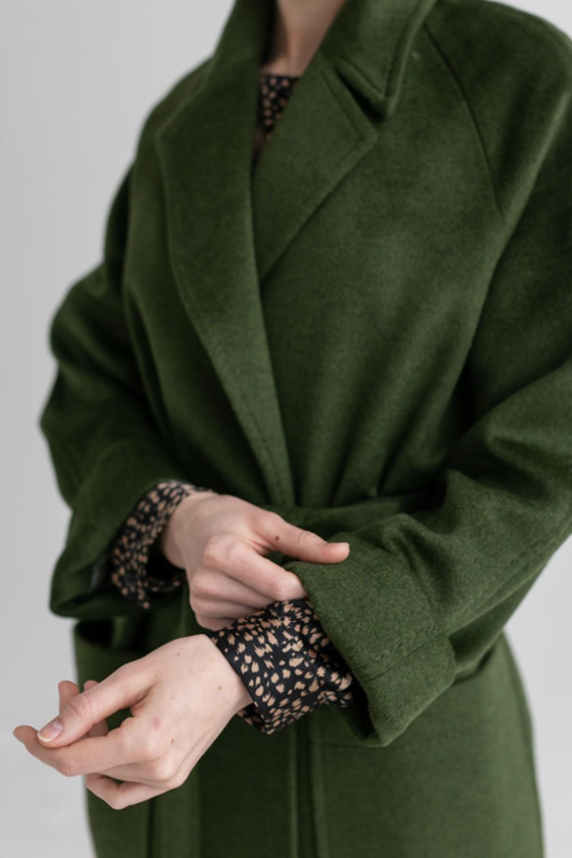 Длинное пальто-халат с накладными карманами AS063